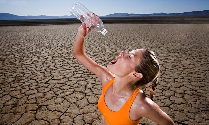 Гипергликемия характеризуется появлением сильной жажды