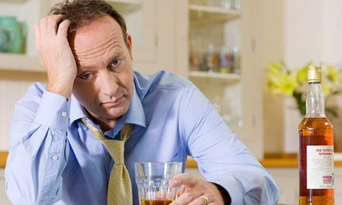 Препарат нельзя принимать при алкоголизме, протекающем в хронической форме
