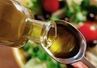 Польза оливкового масла для: волос, лица, печени, кожи, при беременности и для похудения.