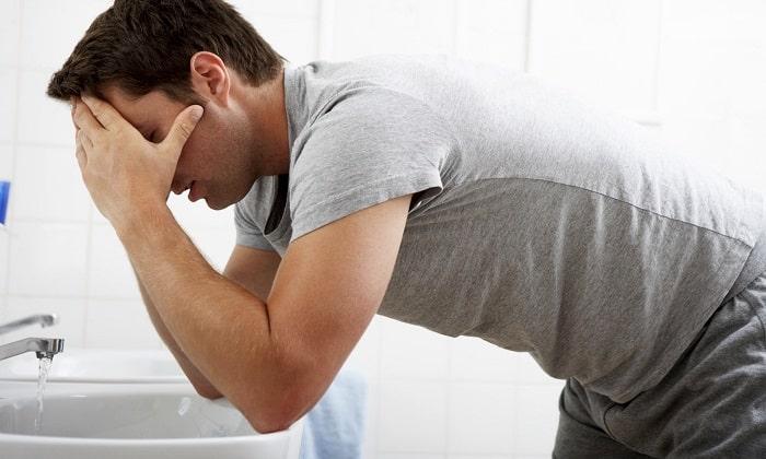 Гипергликемия характеризуется тошнотой и рвотой