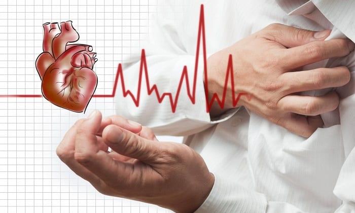 Перенесенный инфаркт миокарда считается противопоказанием к приему Глимекомб
