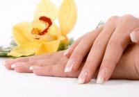 Почему слоятся ногти, что делать? Причины, лечение. Что полезно для ногтей.