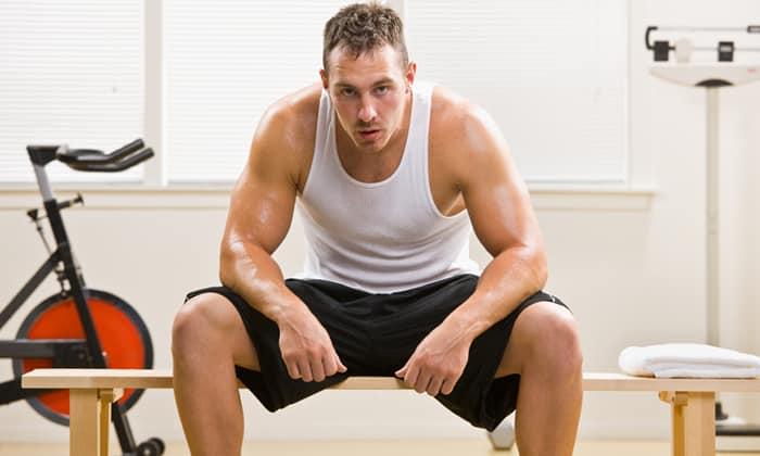 Метформин рекомендуют принимать с осторожностью лицам, которые заняты тяжелым физическим трудом
