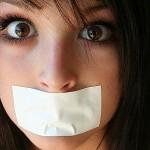 Неприятный запах изо рта — причины и лечение.