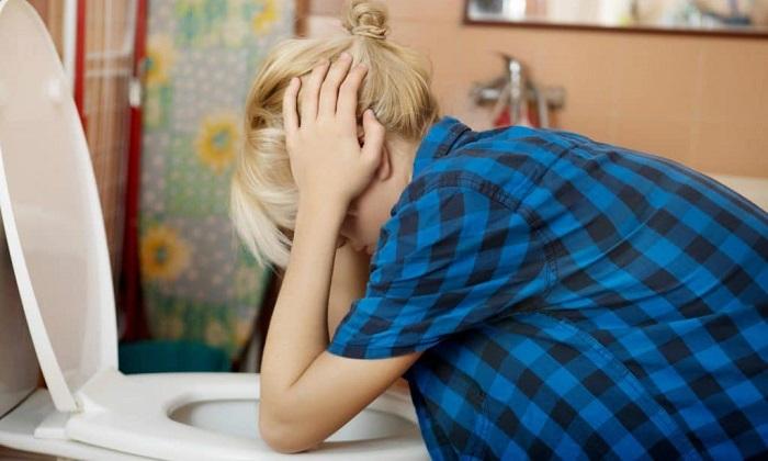 Достаточно редко во время приема препарата возникает тошнота, иногда переходящая в рвоту