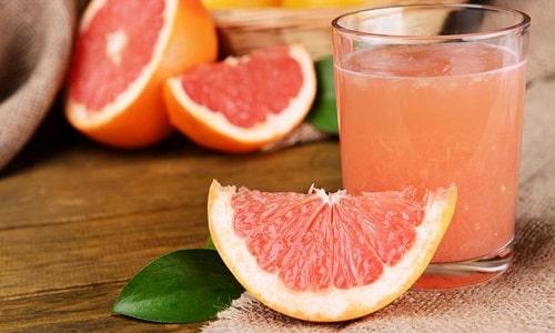 Во время лечения необходимо исключить употребление грейпфрутового сока