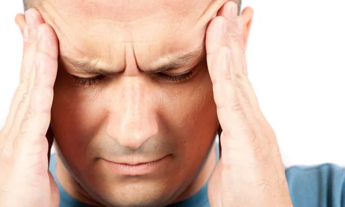 Основным признаком передозировки препаратом является головная боль