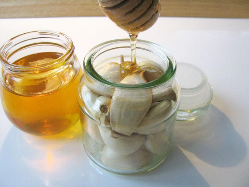 Чесночный настой с добавлением мёда
