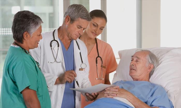 Во время восстановительного периода после хирургических операций, при которых задействованы печень, протоки и желчный пузырь, назначают прием Эссенциале