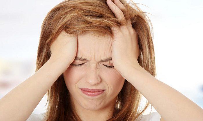 Прием драже иногда может провоцировать приступы головной боли