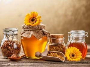 Перга пчелиная и мед