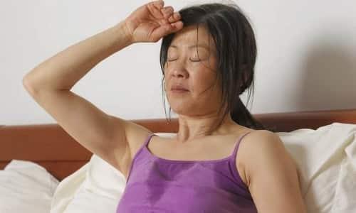 При приеме препарата побочным действием может быть появление повышенного потоотделения