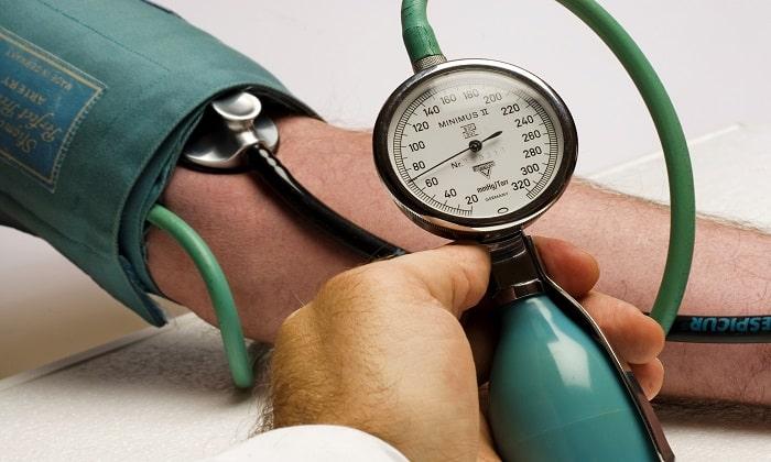 Во время курсового лечения препаратом возможно увеличение артериального давления