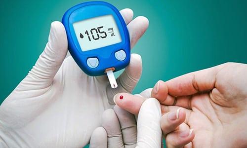 При сахарном диабете дозировку устанавливает врач в зависимости от концентрации глюкозы с крови