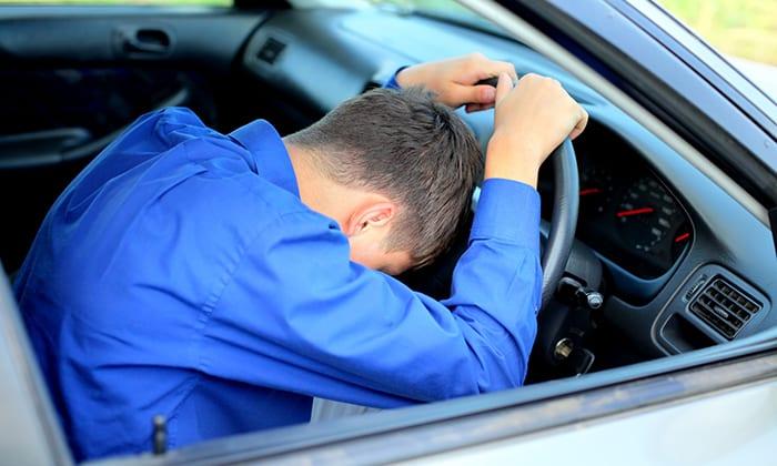 При регулярном появлении побочных эффектов (болезненные ощущения) на время лечения следует отказаться от вождения