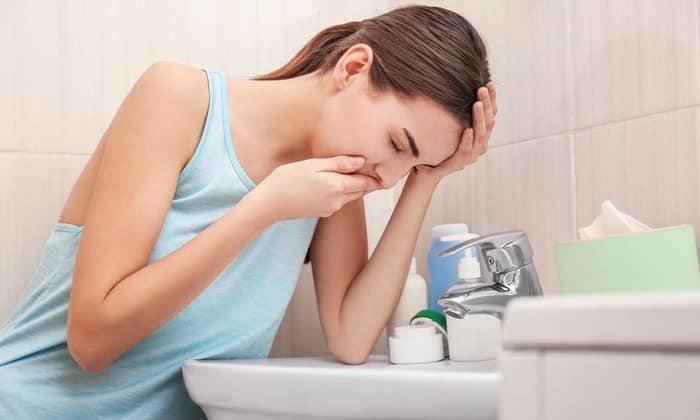 В некоторых случаях может возникнуть негативная реакция в виде тошноты
