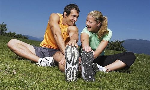 Во время лечения препаратом Глюкобай врачи рекомендуют вести активный образ жизни (упражнения, ежедневные прогулки)
