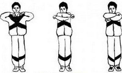 Упражнение обнять плечи