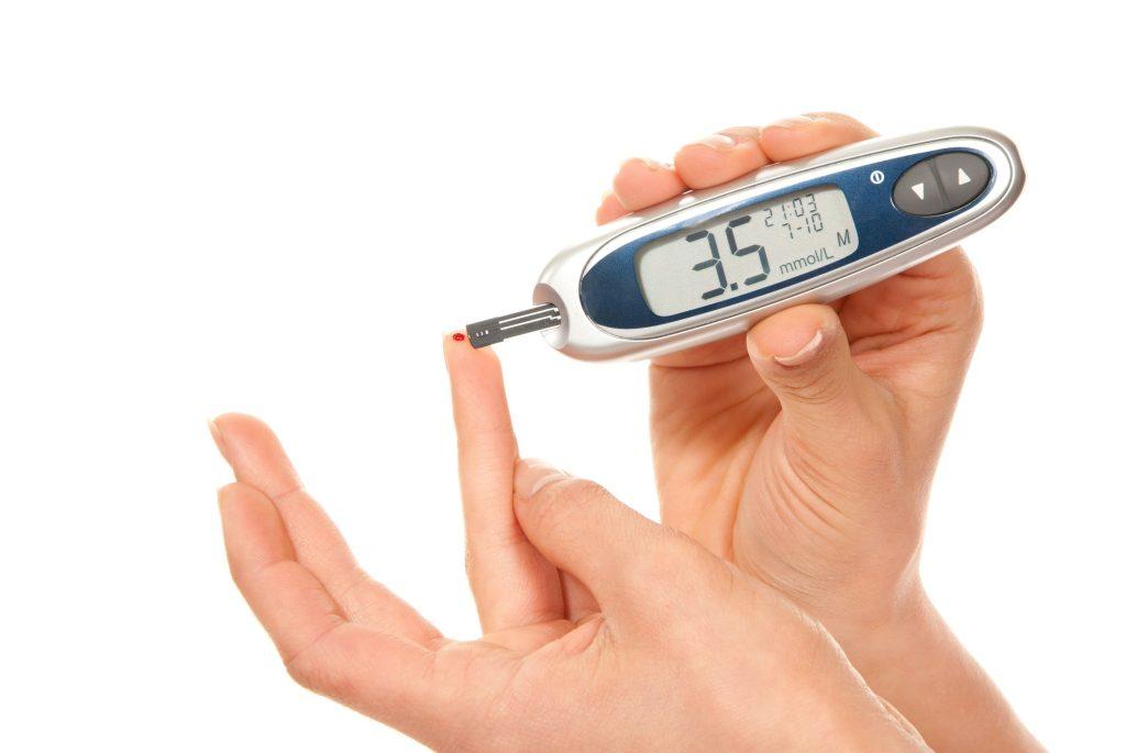 Гипогликемия: причины; симптомы; первая помощь