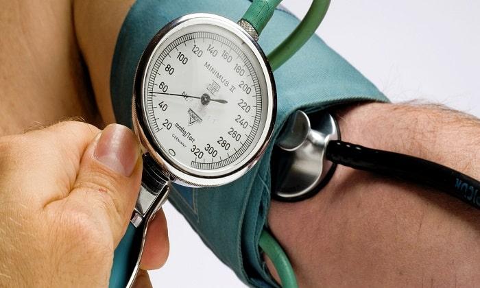 В некоторых случаях Туджео СолоСтар провоцировал снижение артериального давления