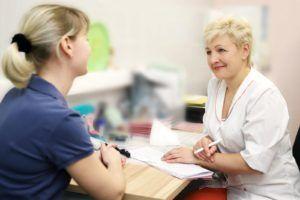 При первых симптомах воспаления поджелудочной железы стоит обратится к врачу