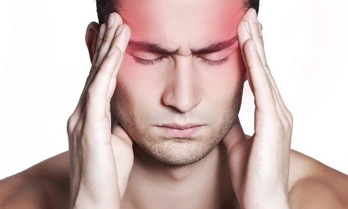 Постепенно добавляются признаки обезвоживания, например, головная боль