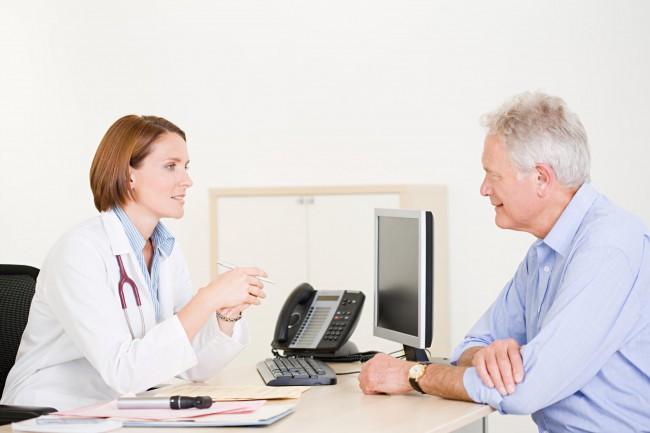 Сообщите доктору, что собираетесь заграницу и спросите где можно заверить документ
