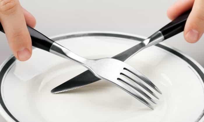 Одним из факторов появления гипогликемии является вынужденное голодание