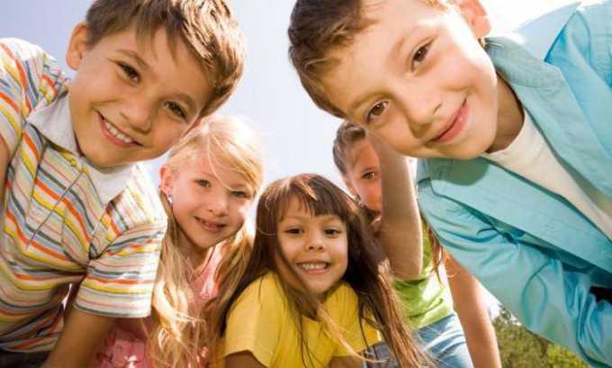 Средство назначают пациентам старше 8 лет, лечение проводится под контролем врача