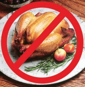 Курица под запретительным знаком