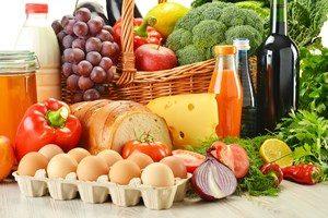 Множество разнообразной еды