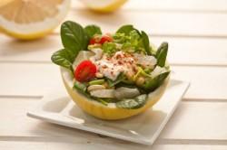 Салат с помело и орехами кешью