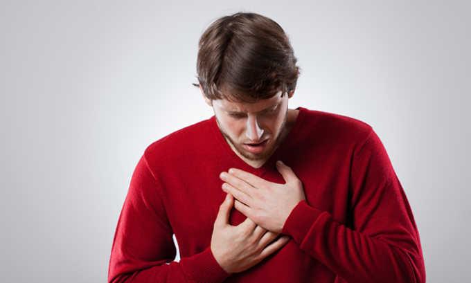 При использовании медикамента может наблюдаться следующая побочная симптоматика-одышка